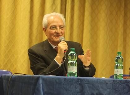 Traettino debatió con Leonardo de Chirico en la Asamblea de la AEI. / JF