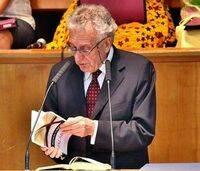 Máximo García en la presentación de su libro.