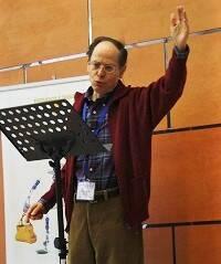 Pablo Martínez, durante una exposición bíblica. / J. Forster