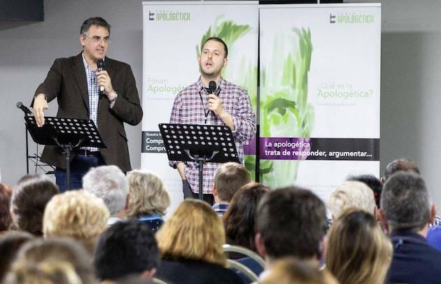 Michael Ramsden, durante una de las exposiciones. / ForumApologética ,