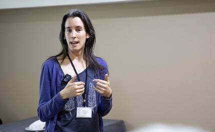Ruth Valerio expuso sobre ética y medio ambiente. / Fórum Apologética