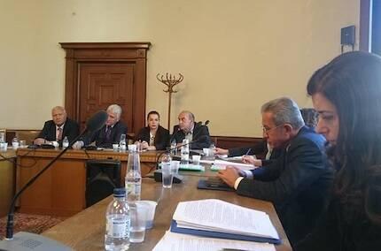 La Alianza Evangélica Búlgara y otros grupos de fe, en una discusión pública de la nueva ley. / Greta Ganeva, BEA