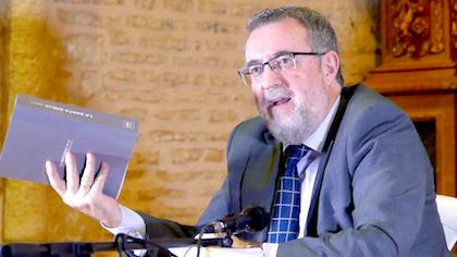 El autor de La Santa Biblia Fácil, Rafael Galindo, durante el encuentro. / Asociación LSBF