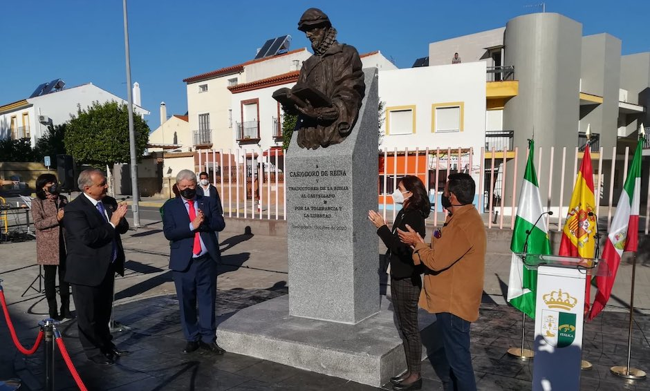 Inauguración de la estatua a Casiodoro de Reina, en Santiponce. / Junta Andalucía,