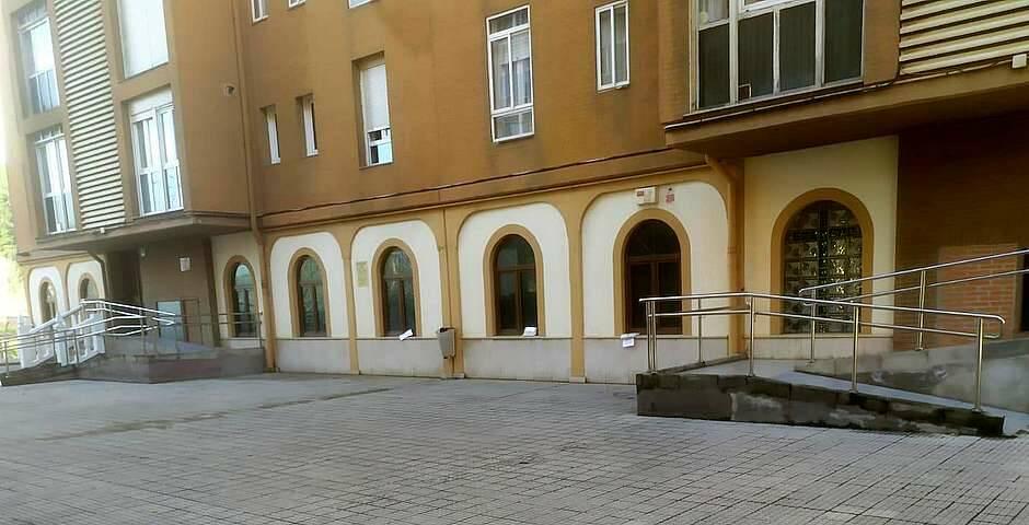 La fachada del templo, con las bolsas puestas en las ventanas / facebook,odio antiprotestante