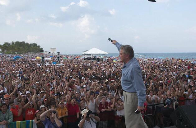 En Florida, ante más de 300.000 personas, en el año 2003.