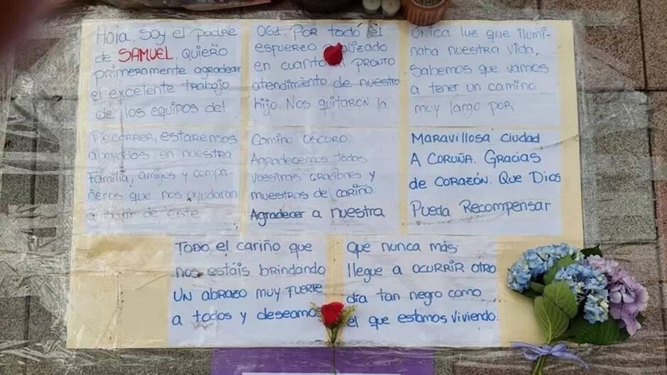 El padre de Samuel dejó un mensaje escrito en el lugar donde falleció. / La Voz de Galicia,