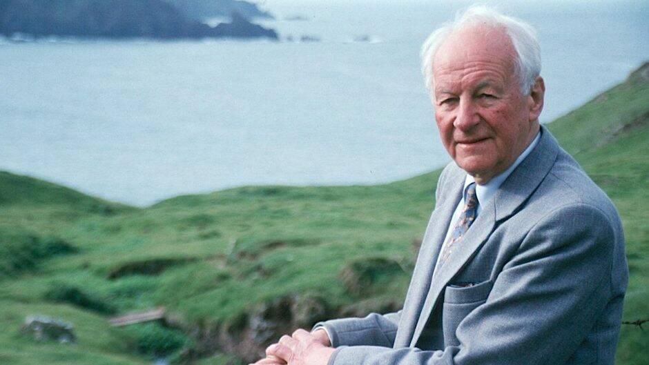 Stott vivió siempre en el centro de la ciudad, pero amaba la naturaleza salvaje y remota, sobre todo la costa