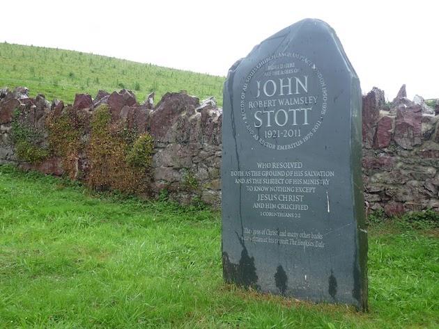 The Hookses era un lugar tan especial para Stott, que es allí donde quiso ser enterrado.